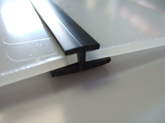 PVC-Butt-Joiner-for-Greenhouse-Glazing
