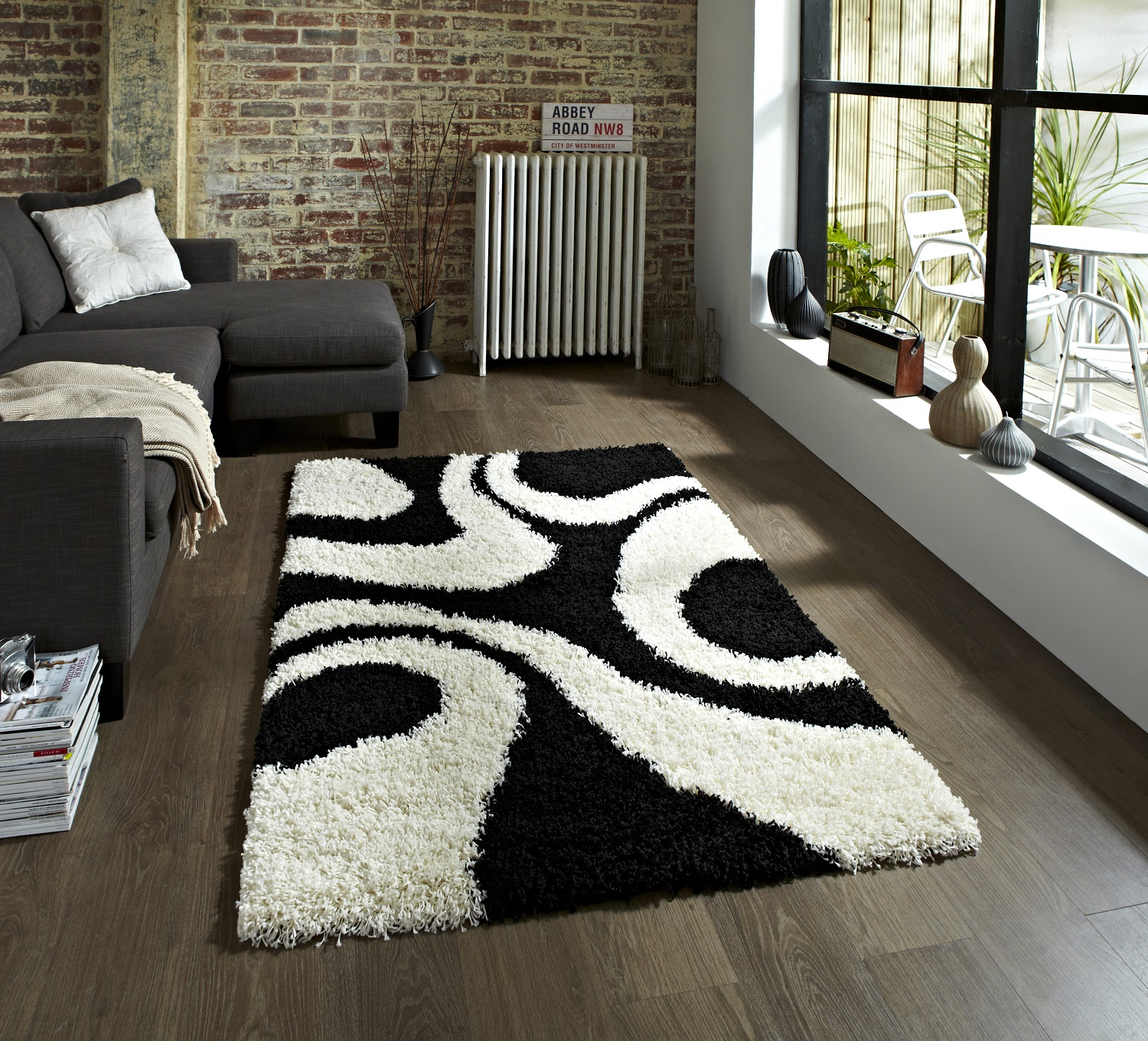 Black And White Extra Large Rug: Shaggy Pile Rug Or Runner Machine Made Warped Circle