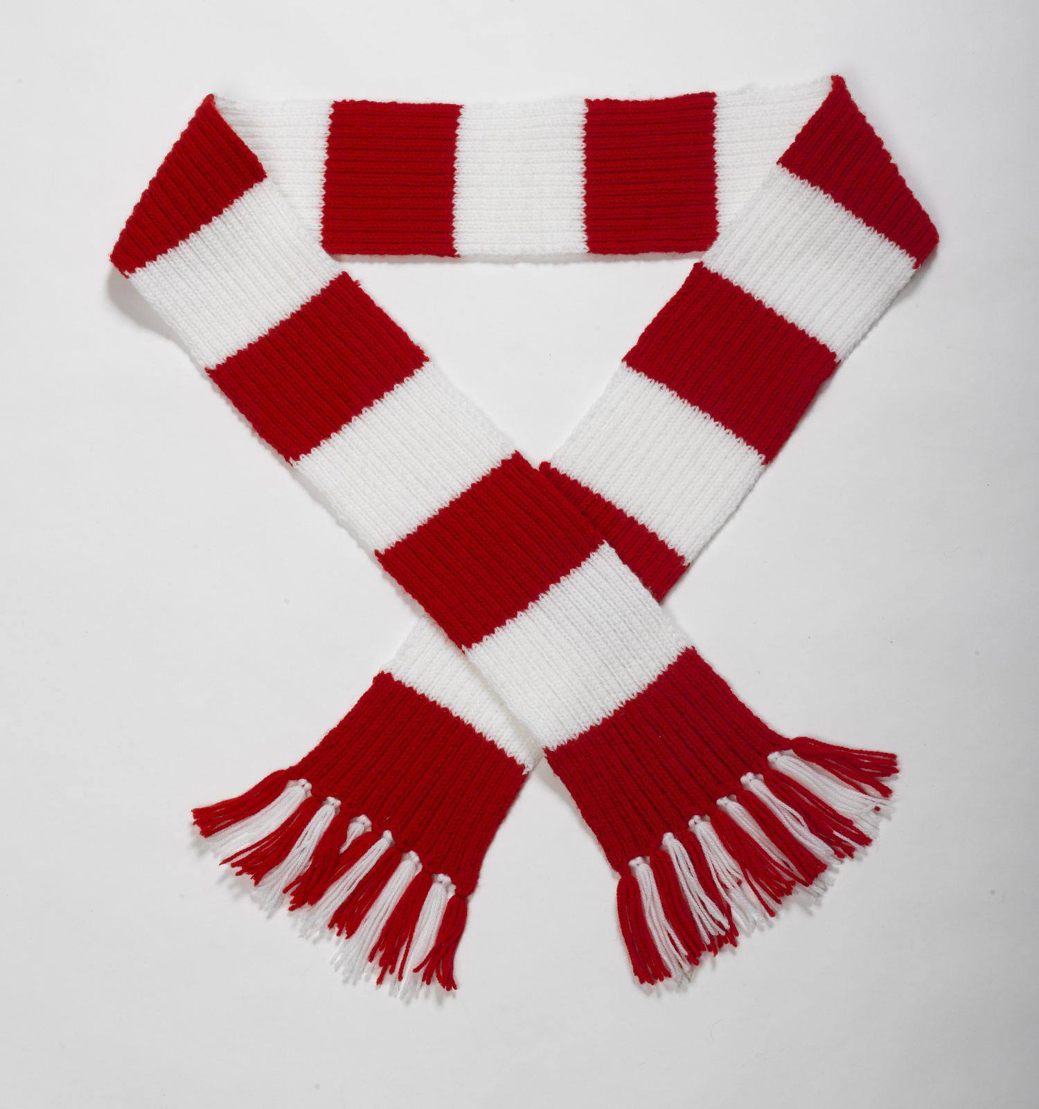 Knitting Pattern For Football Scarf : Striped Football Scarf Double Knitting Pattern & Wool ...