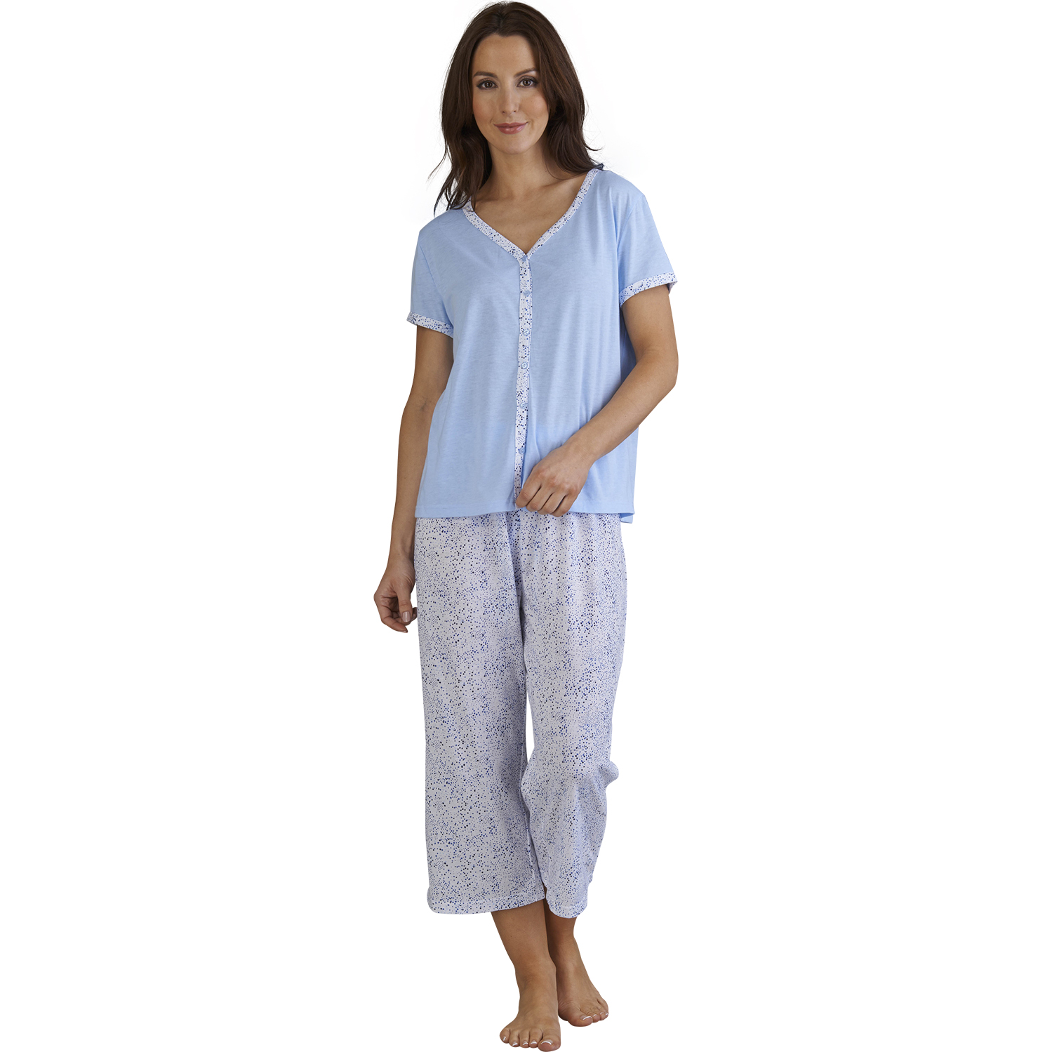 Treat yourself to some new cosy nightwear this winter. Shop the Matalan's range of women's nightwear including pyjamas, nighties & dressing gowns.