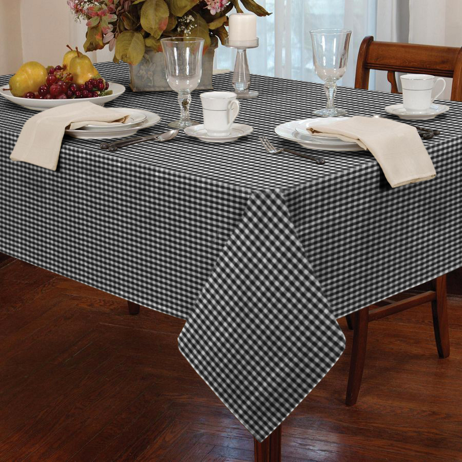 Garden picnic gingham check tablecloth dining room table for Table linens