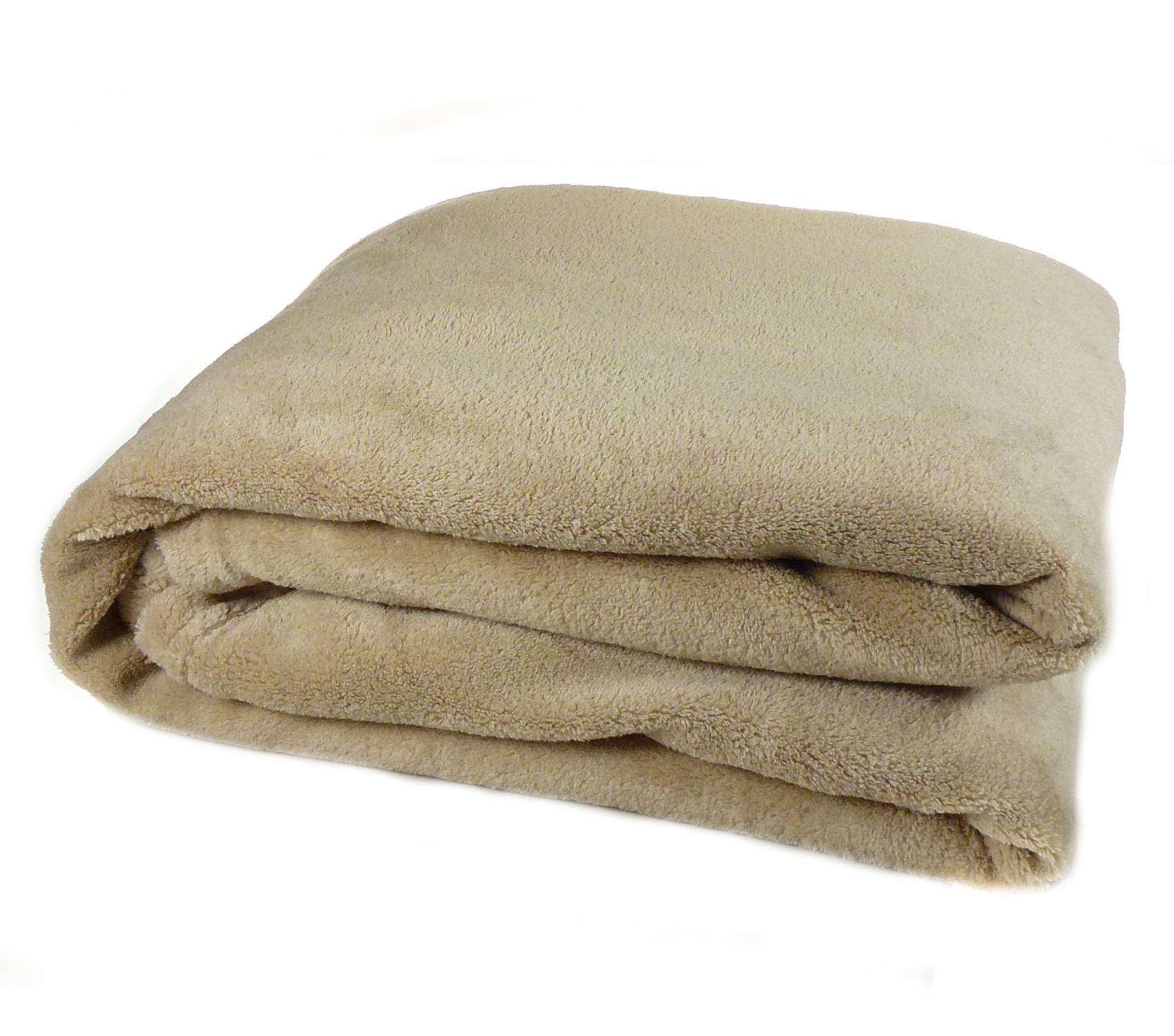 Luxury Soft Cosy C Fleece Throw Over Bed