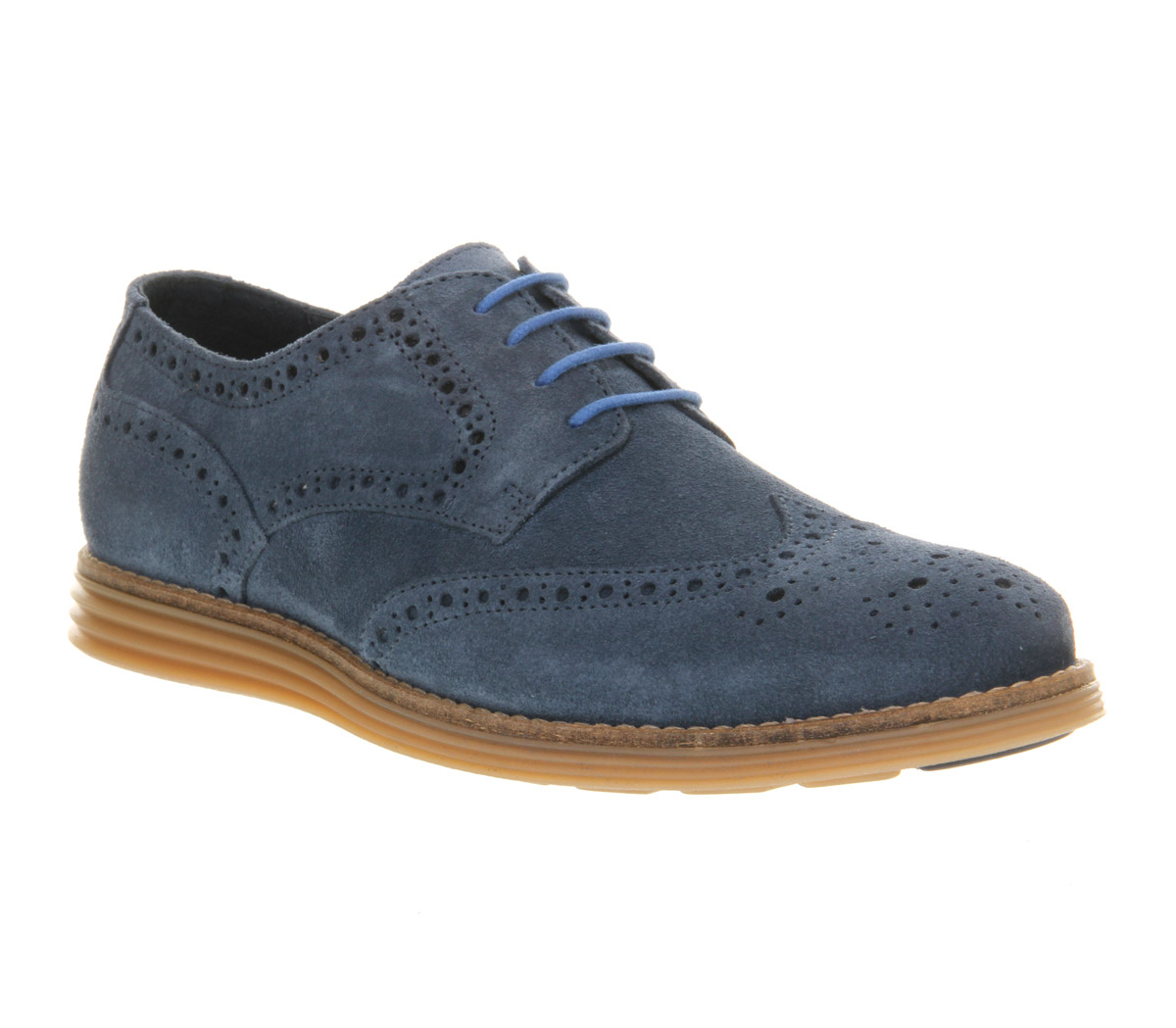 From classic brogue shoes finished in leather and suede to smart brogue boots or brown brogue styles, you'll be spoiled for choice. Choose your men's formal shoes from the likes of Ted Baker, Base London and Ikon and order by 10pm* for Next Day UK Delivery.