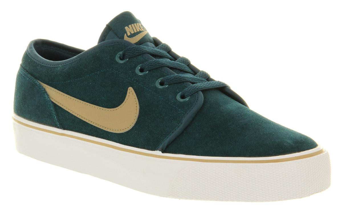 Toki Low Nike Shoes