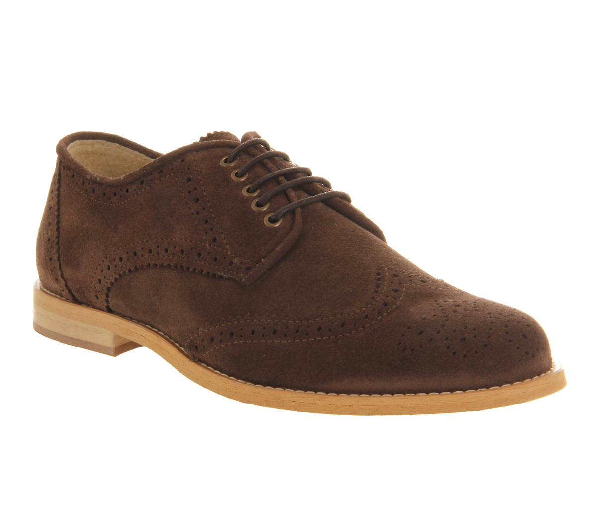 Many men often see purchasing suede shoes as being a particularly risky decision. Although suede can look extremely stylish, it's not always practical for every occasion. While this is a valid concern to have, you really should have a bit of suede in your footwear arsenal.