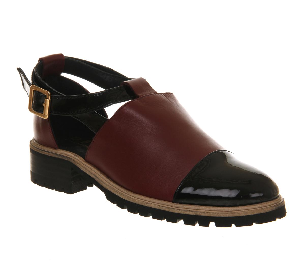 Women's Dr Martens Carrigan Cut-Out Shoe Burgundy Classic Rub Of