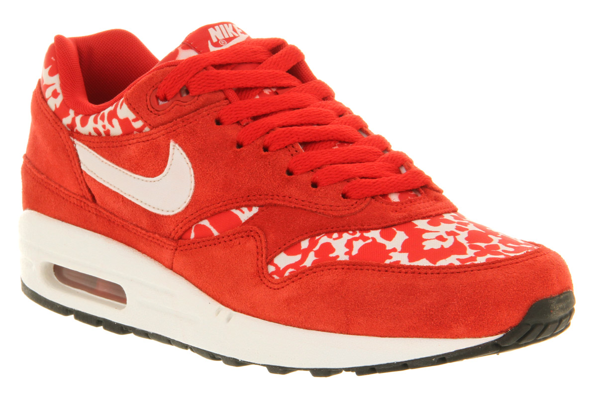 Red Air Max Office