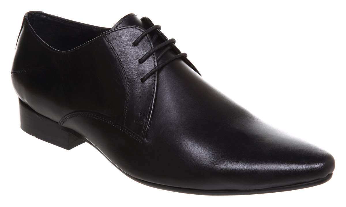 Shop Mens Formal Shoes, Dress Shoes, office wear shoes online in India. Huge selection of branded Black/Brown Formal Shoes for Men at Jabong from Top brands. COD 15 Days Return Free Shipping. Invest in a pair of formal leather shoes to get that much-desired sartorial footwear style.