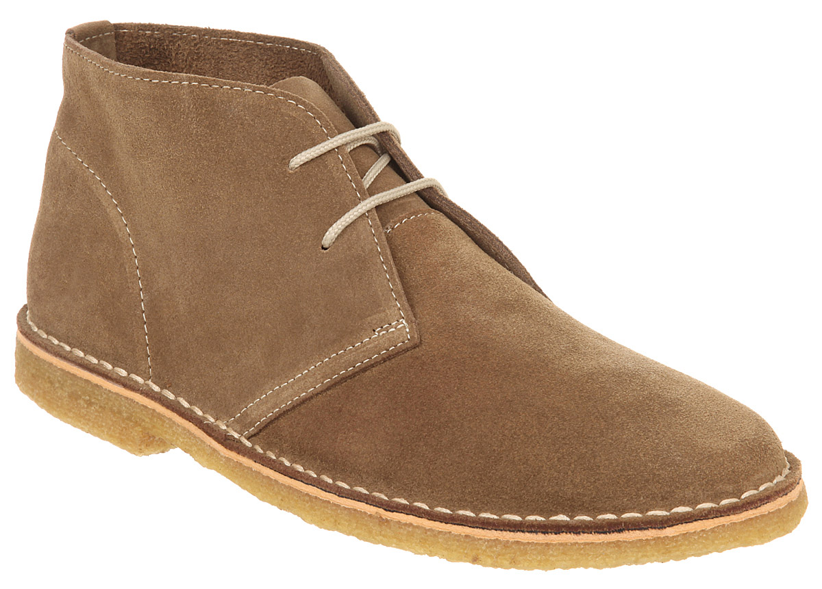 Roper shows off their casual side with this desert sticker tan suede leather lace-up shoe for men. Featuring a 3/4
