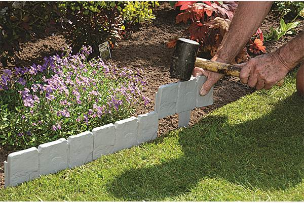Cobbled stone garden hammer in border edging lawn edgers for Path and border edging