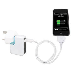 Hahnel Magic USB Travel Charger with Interchangeable Plugs and Built-in External Battery Pack Preview
