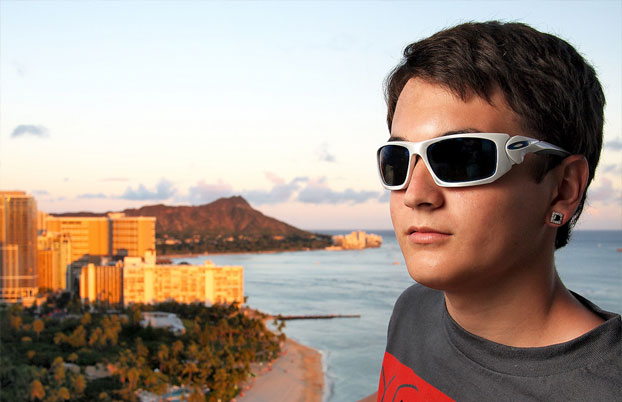 By the 1990s, Oakley's popularity had helped them become the market leader in sports sunglasses by Discounted sunglasses