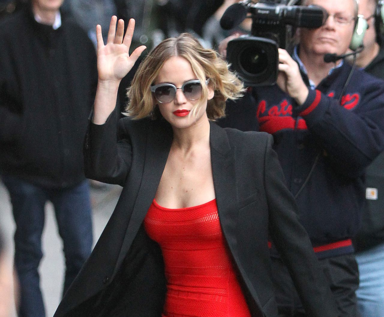 Jennifer Lawrence wears Oliver Peoples
