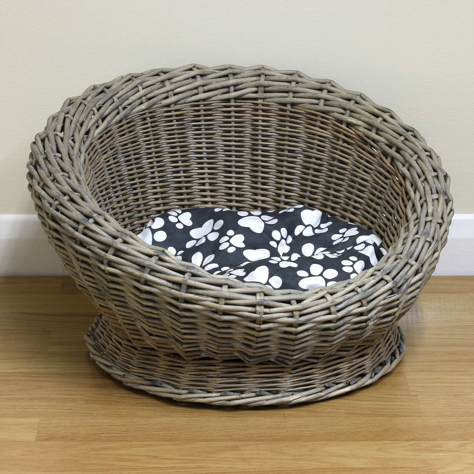 How To Weave A Cat Basket : Small round woven natural wicker shabby chic pet bed