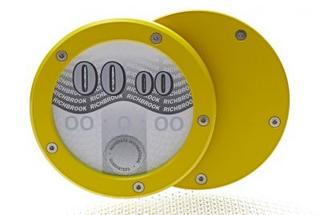 Richbrook Speed Yellow Twist Back Car Tax Disc Holder