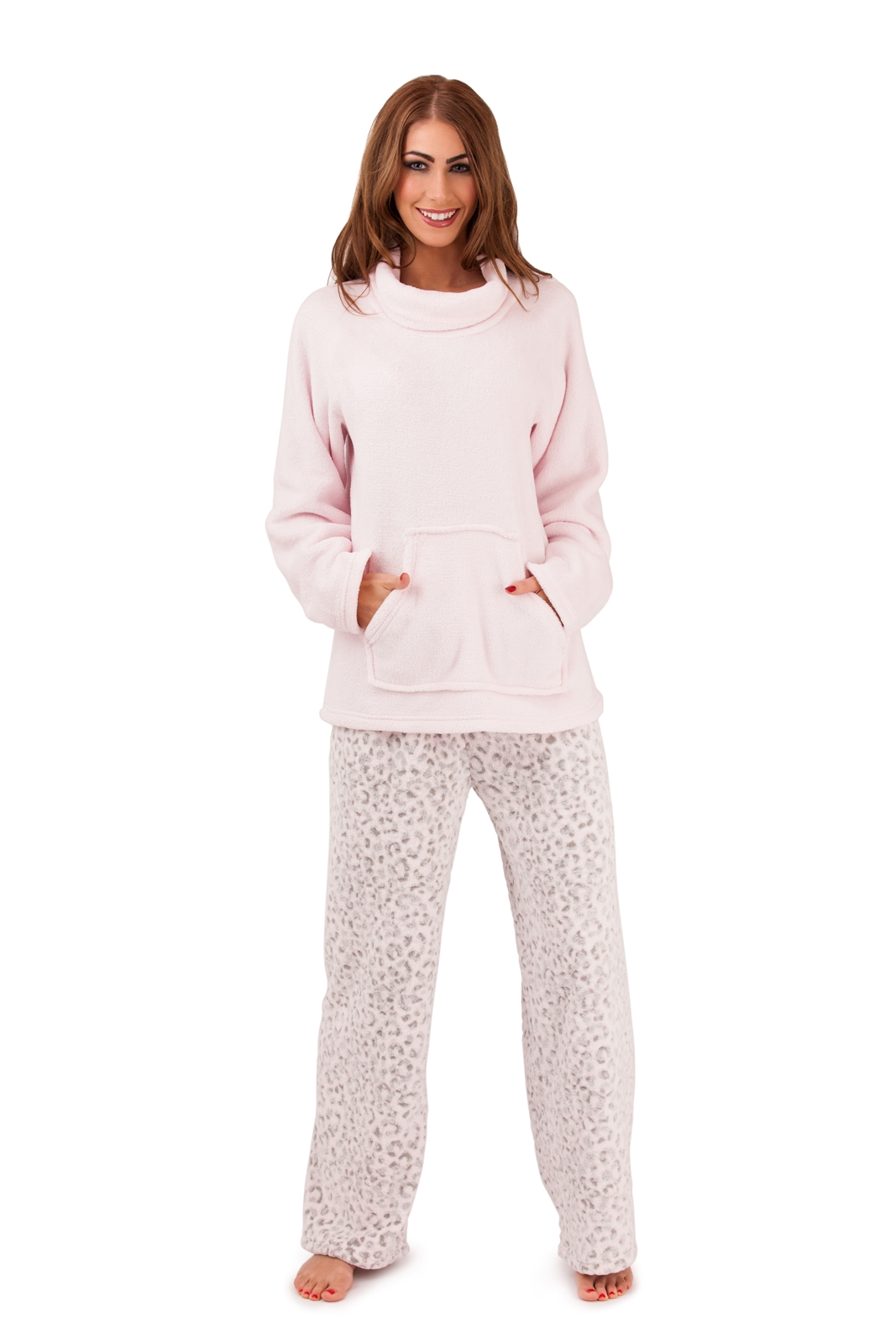Adonna Womens White Red & Gray Leaf Fleece Pajamas Floral Holly Sleep Set. Sold by The Primrose Lane. $ $ Hanes Women's Polar Fleece Dog Print Pajama Set. Sold by reformpan.gq $ $ Cozy Loungewear Women's Printed Minky Fleece Pajama Pant with Plus Sizes.