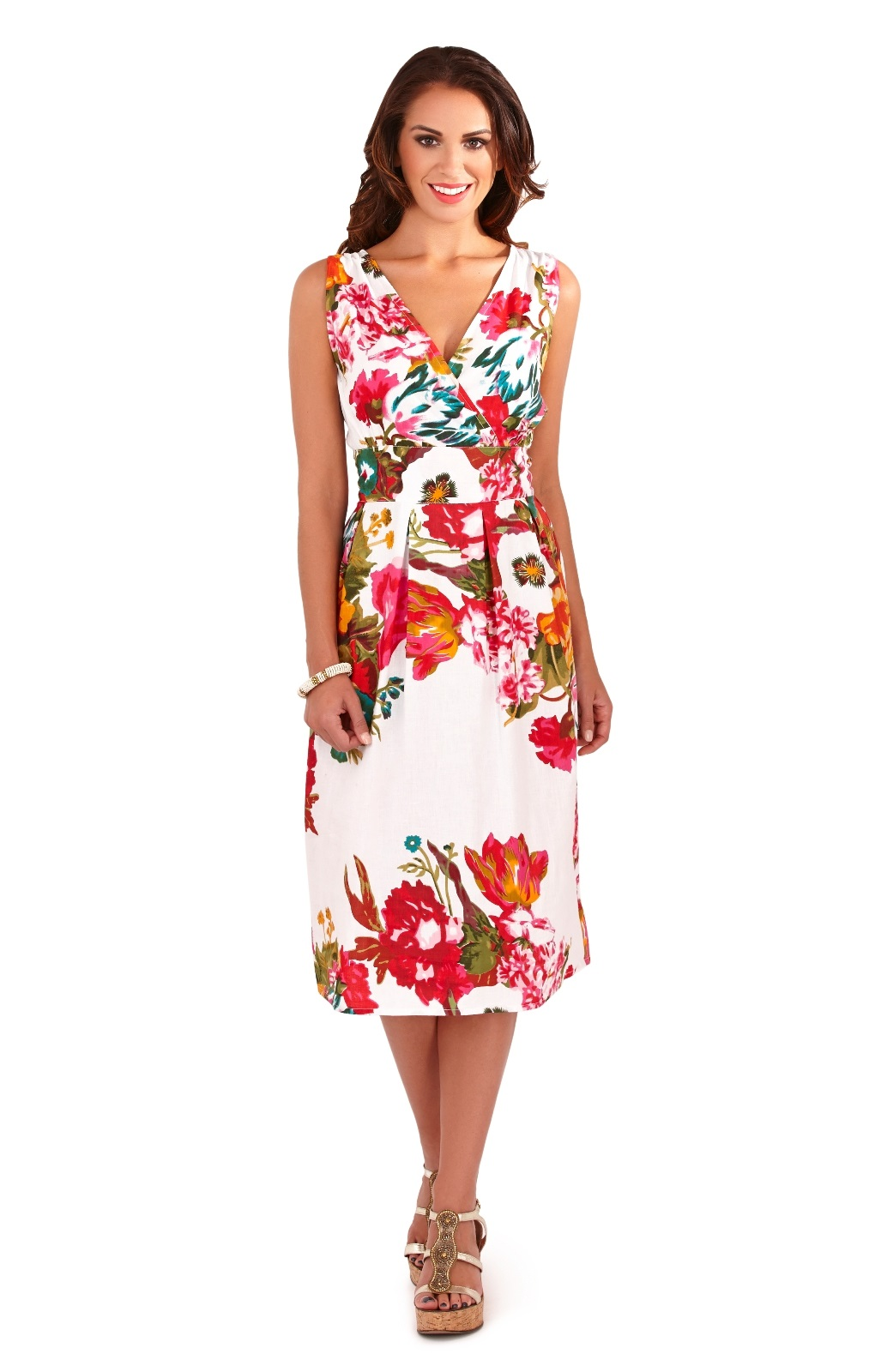 THE FLORAL PRINT DRESS, A FLAWLESS, FEMININE FAVORITE. When you think of ModCloth, of course floral dresses come to mind! There's something incredibly special about the way a fresh botanical print can make you feel, regardless of your personal style preferences.