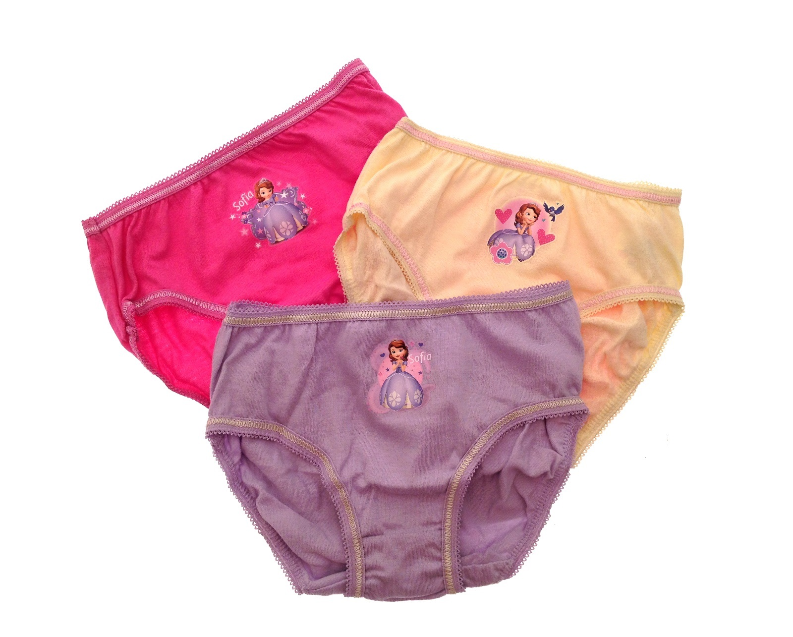 Underwear in the style of Disney princesses caused a flurry of indignation 76