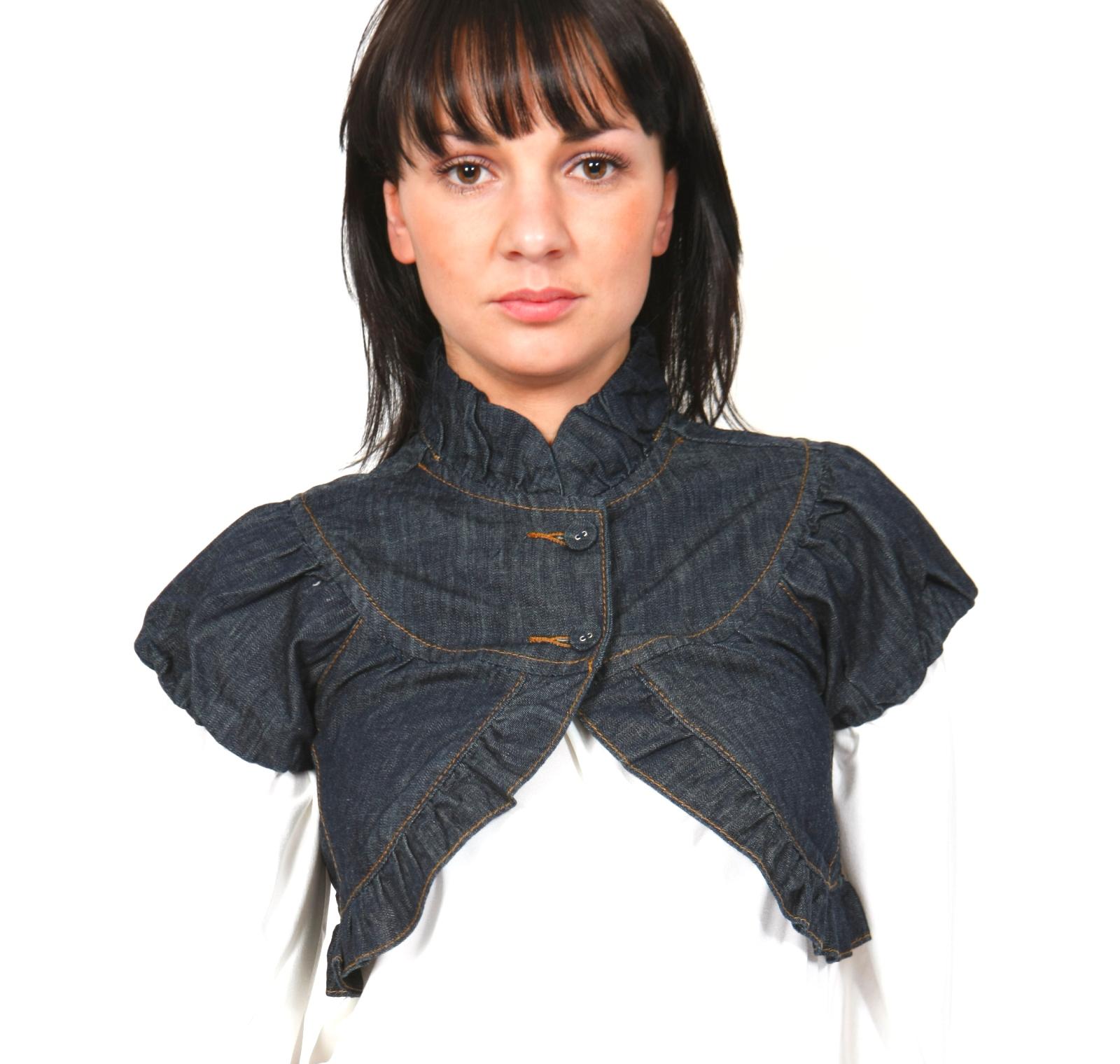 Sleeveless jackets for women