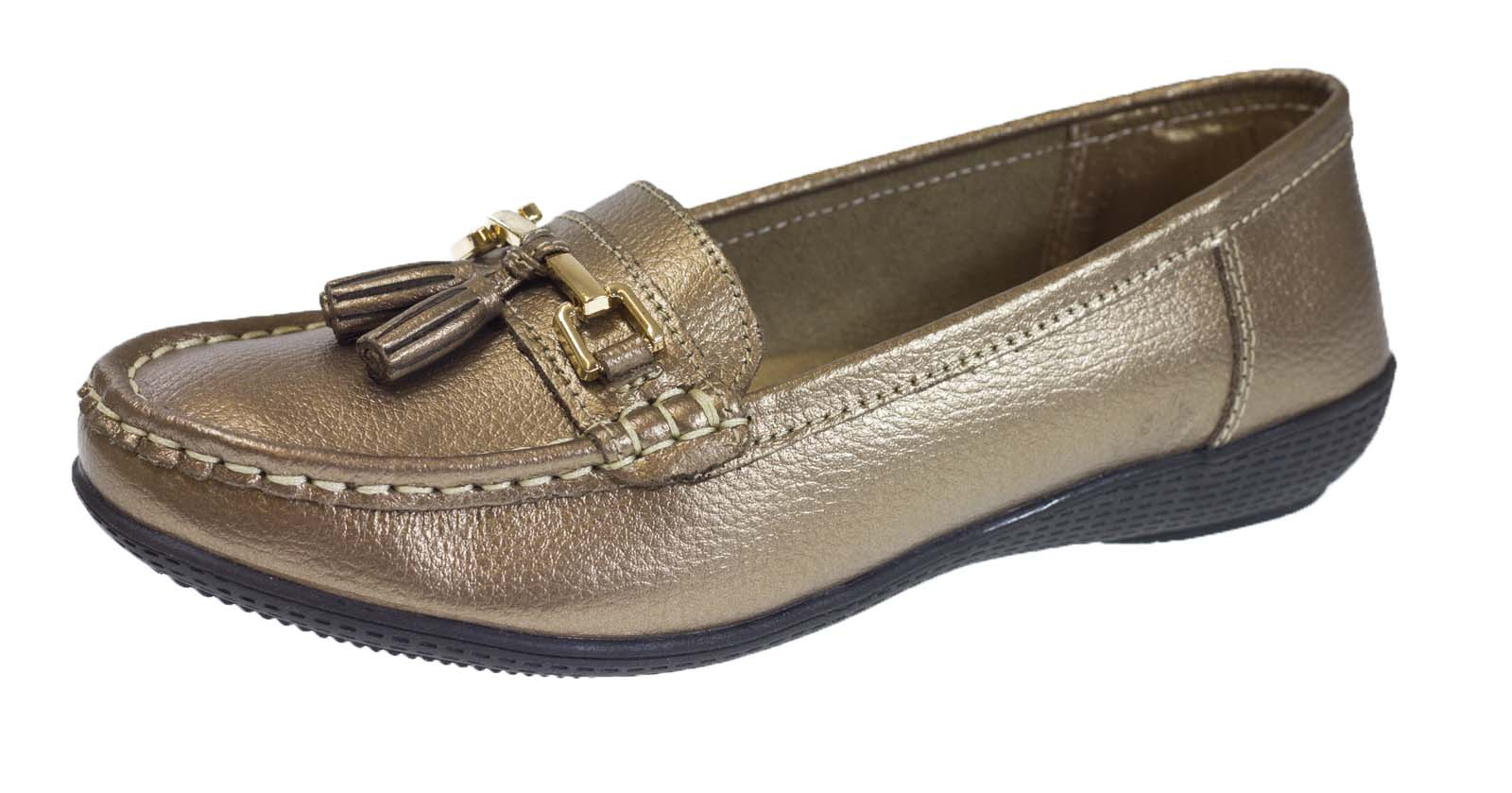Shop women's slippers & women's moccasins at Cabela's. You will find a variety of women's moccasins including women's moccasin slippers, women's winter slippers & women's house slippers from brands like Cabela's, UGG, Minnetonka & more.