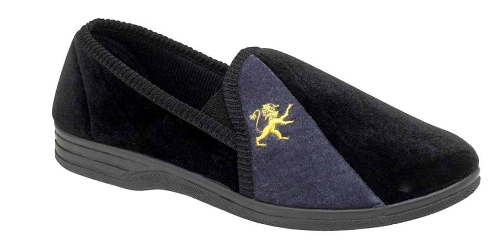 Our diabetic slippers for men come in a wide range of sizes and widths, and our brands are easy to wear and offer a roomy fit for expandability. Whether you have narrow feet, wide feet, cold feet or sensitive feet, we have a diabetic slipper for you.