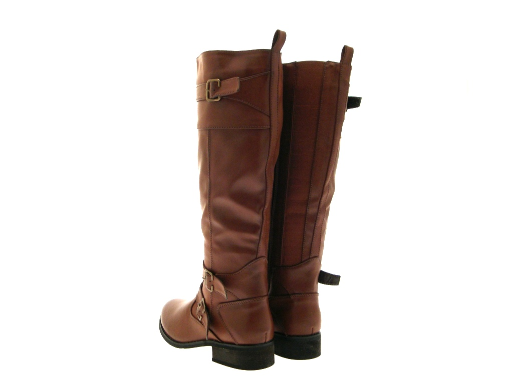 Women's leather boots help keep your feet warm and stylish in cold weather. Made with % leather, our leather boots collection features a variety of styles like Chelsea boots, cowboy boots and knee high boots for women.