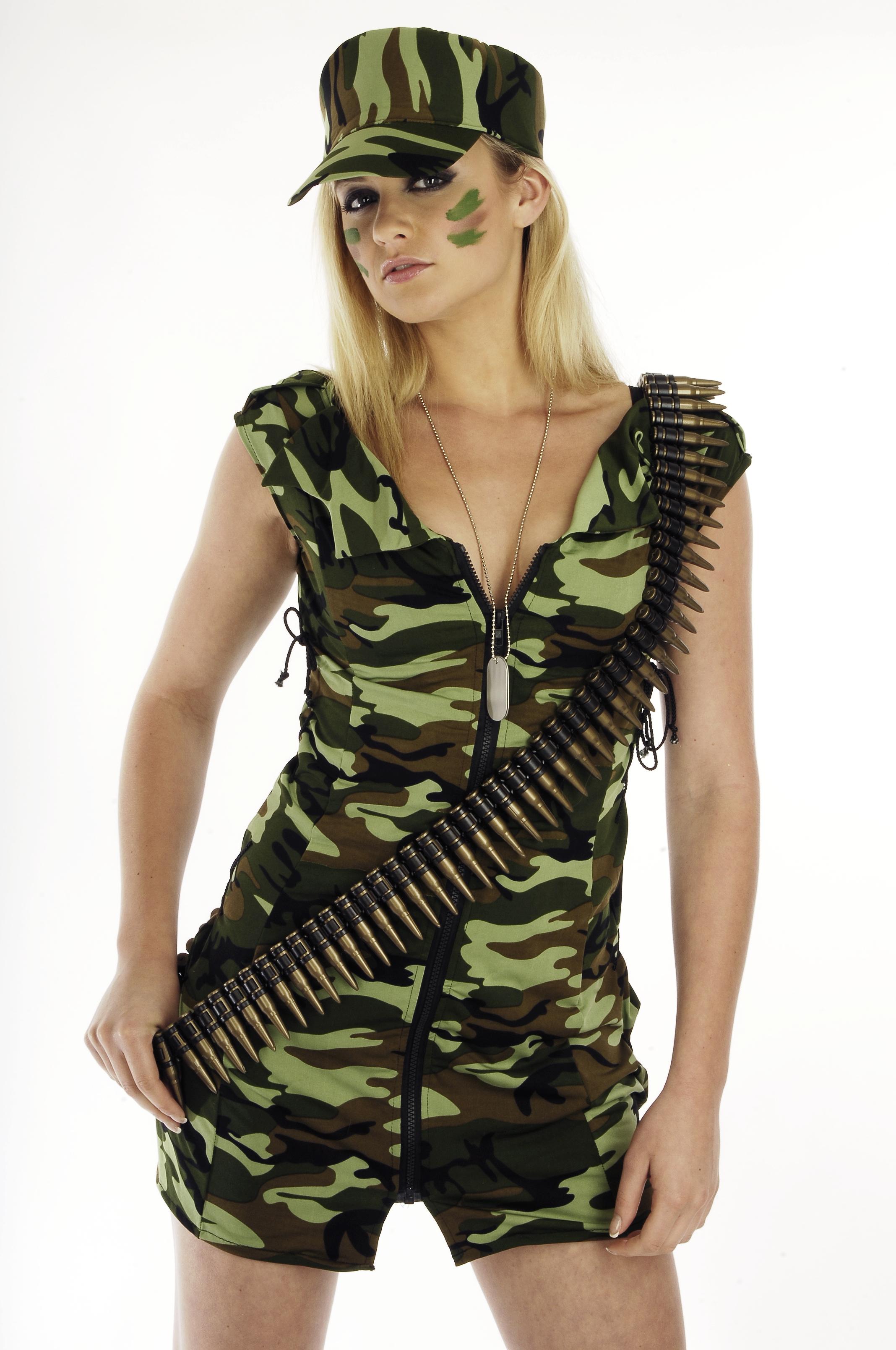 Модели в военной форме фото