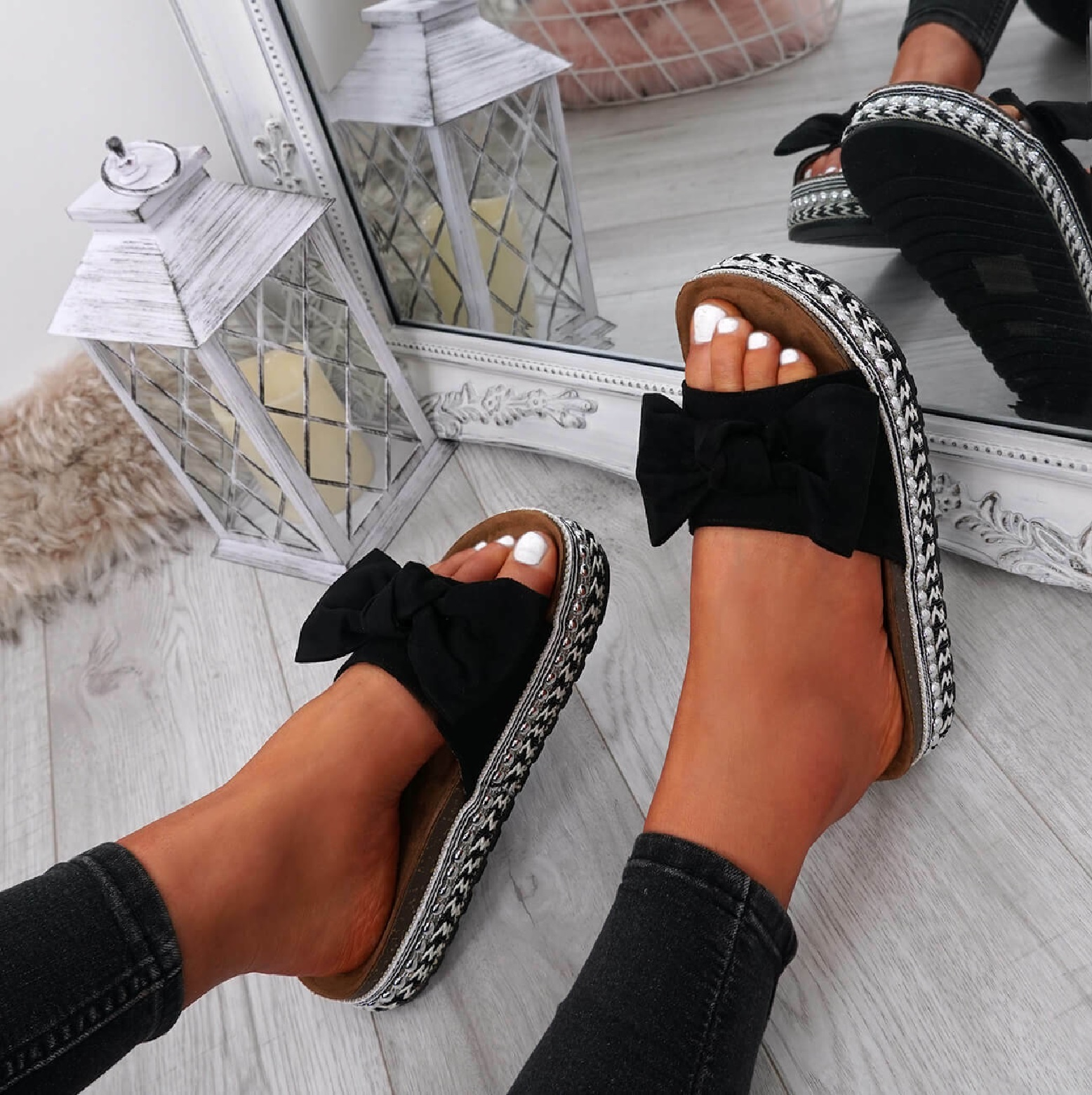 LADIES WOMENS FLATFORMS PLATFORMS SLIP ON FLAT BOW STUDDED PEARLS SANDALS SHOES