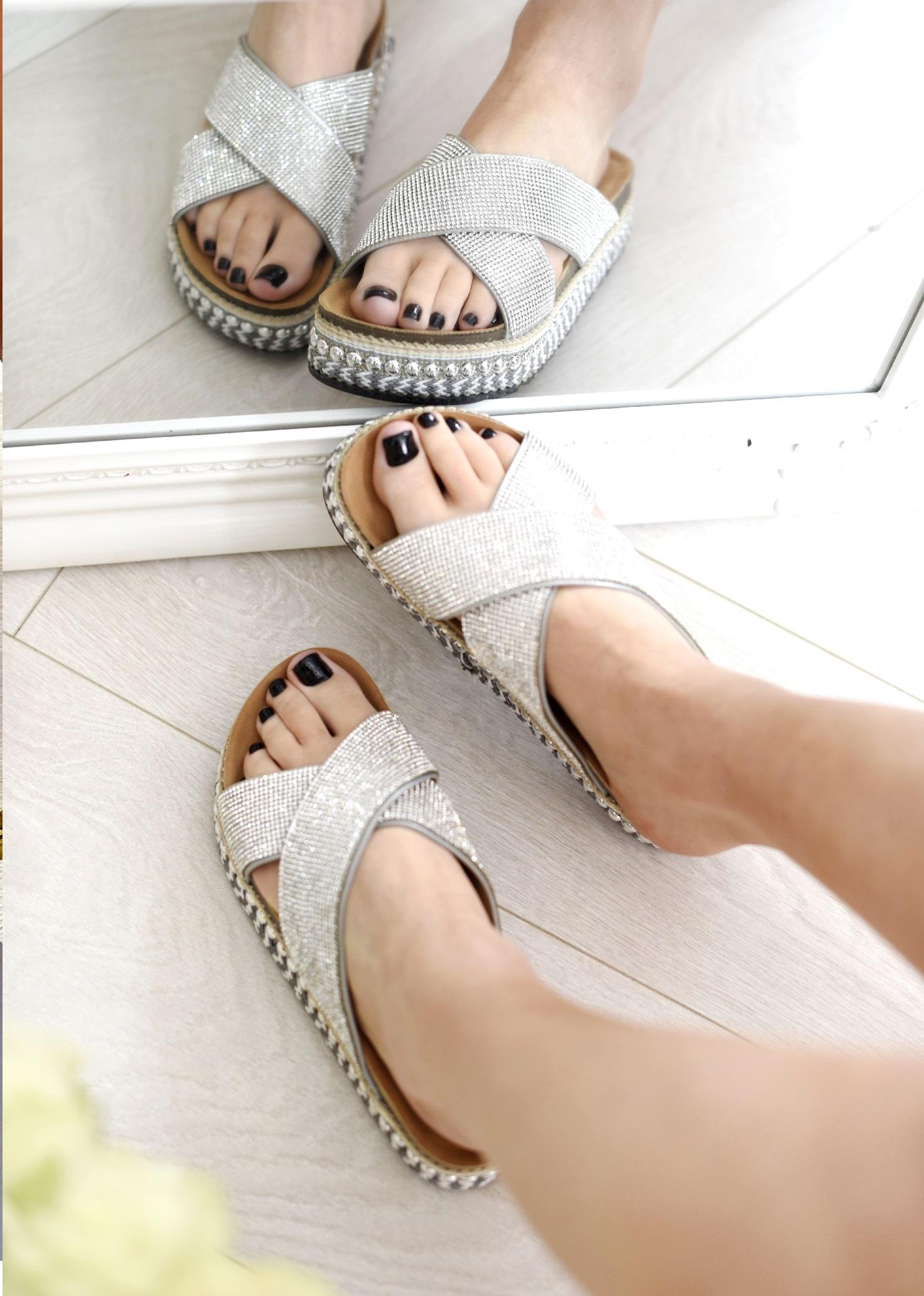 Femmes à Enfiler Plage Vacances plat stud Strass D/'été Pour Femme Soirée Sandales Taille