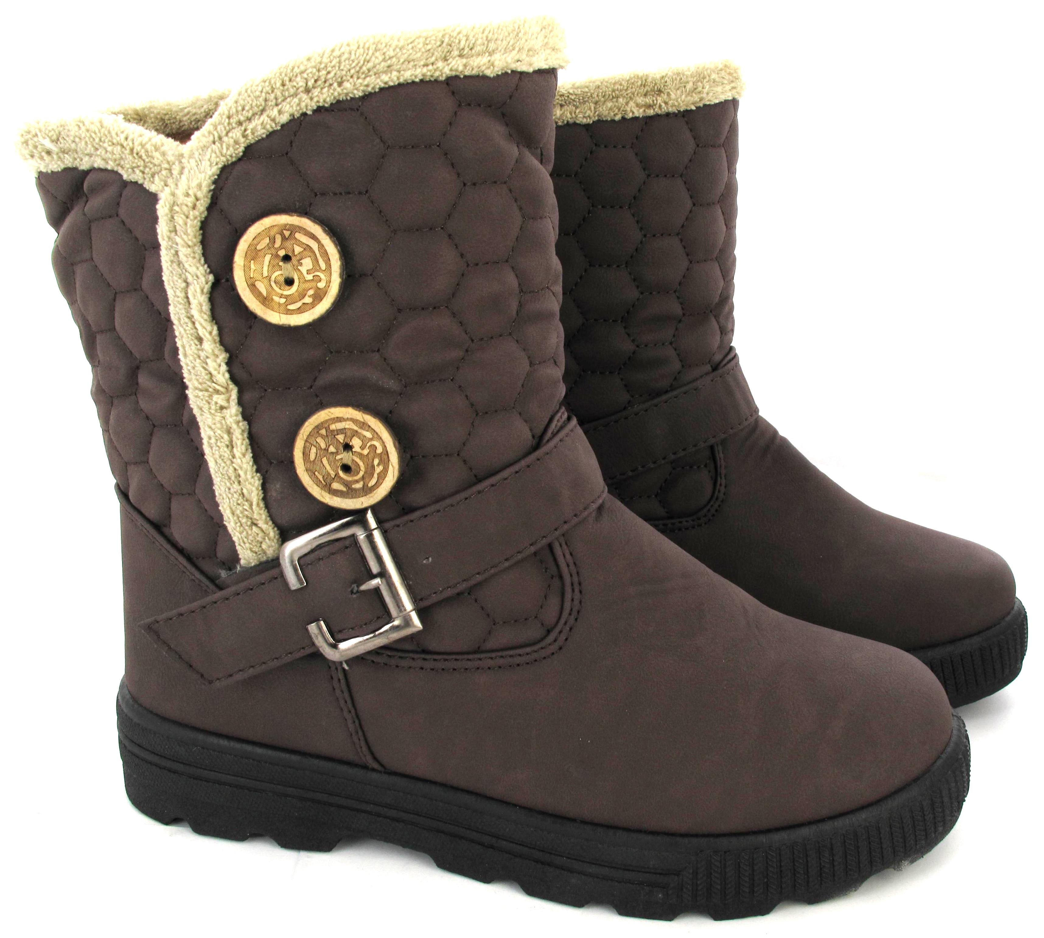 Stylish snow boots women