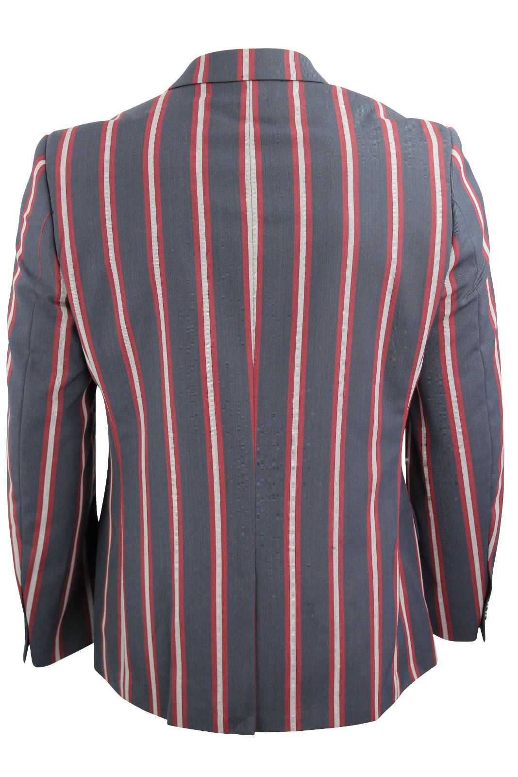 Put a sophisticated spin on your laid-back look with the crisp seersucker fabric and stylish stripes of this blazer from Kenneth Cole New York.