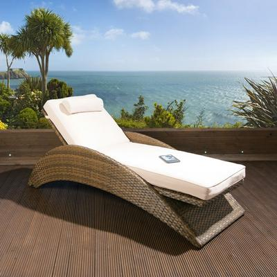 Large Luxury Garden Rattan Lounger / Sunbed / Day Bed Brown / Cream Preview