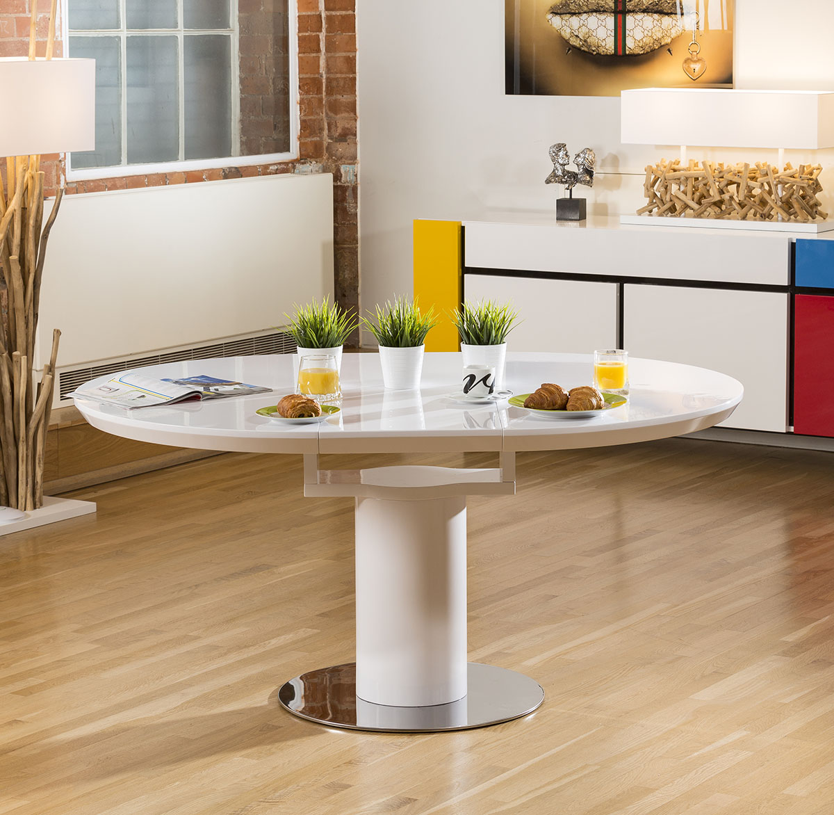 Modern dining table white gloss round oval extending for Modern round dining tables