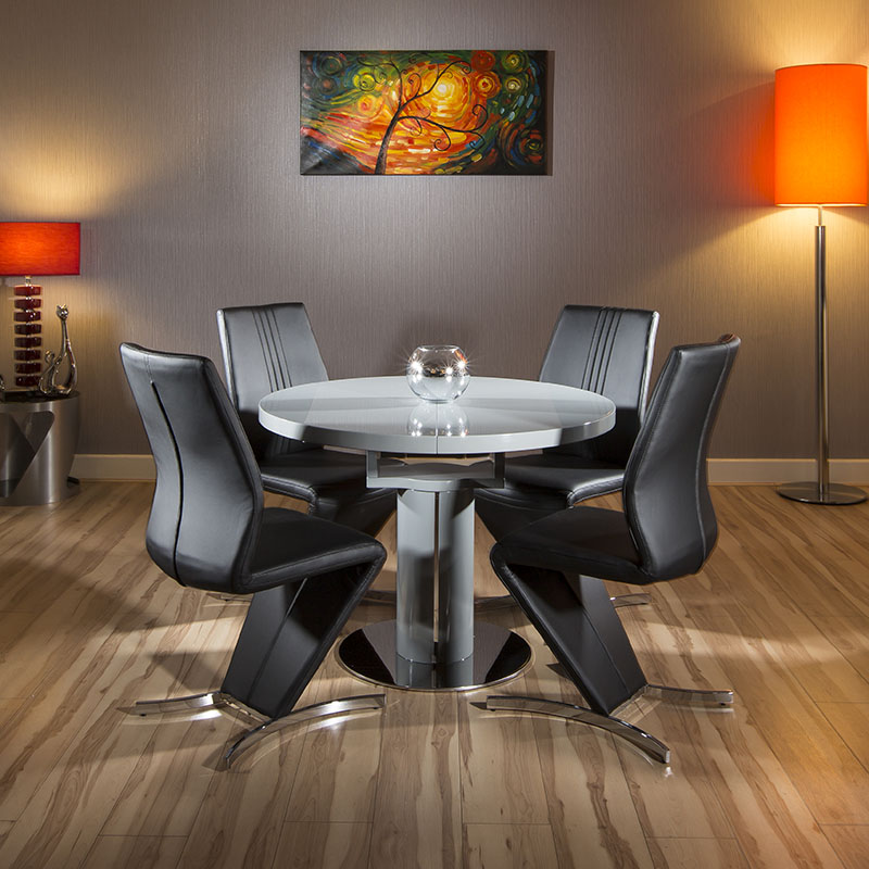 Quatropi grey gloss dining set round oval table 4 black for Black dining sets with 4 chairs