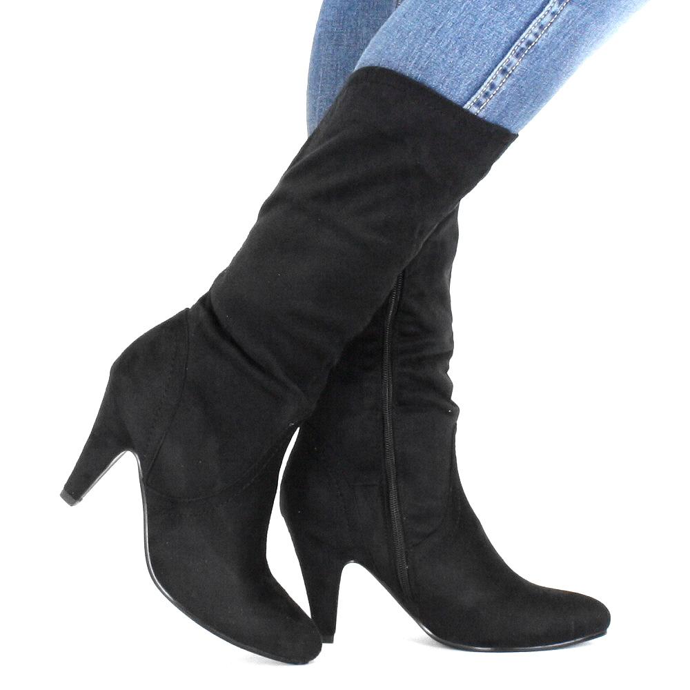 Stiefel für Damen Mädels aufgepasst – Winterzeit ist eure Stiefelzeit. Ob Winterfan oder nicht – über eines sind wir uns einig: es müssen stylische Stiefel an unsere Füße! Wir haben die eleganten Treter mit hohem Schaft für uns entdeckt oder auch coole Boots.