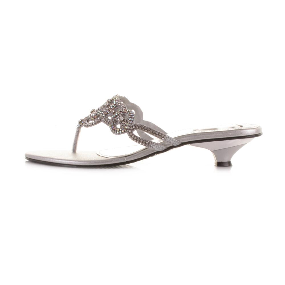Kitten Heel Toe Post Sandals