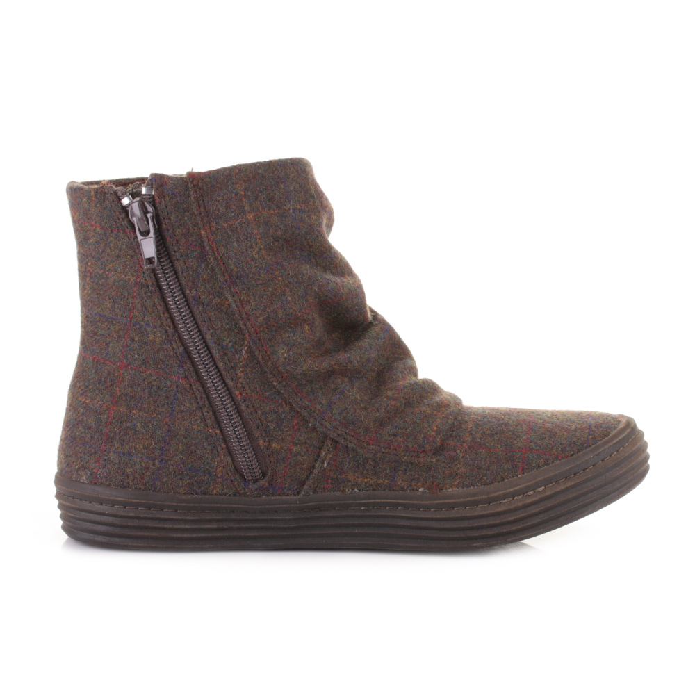 Brown ankle boots have been a top trend for the past few years and the outfit opportunities are endless! Whether you're looking for something to wear to class or something to wear when you're out, your brown ankle boots will never fail you.