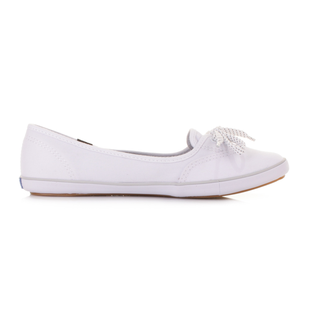 Canvas Shoes For Women For the summer months, there can be few better treats for your feet than our selection of canvas shoes for women. They'll allow the air to circulate nicely around your toes, and, what's more, they look fantastic.