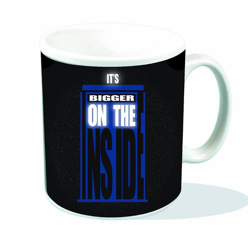 NEW DOCTOR WHO ITS BIGGER ON THE INSIDE MUG TARDIS RETRO BBC SCI FI BOXED CUP DR