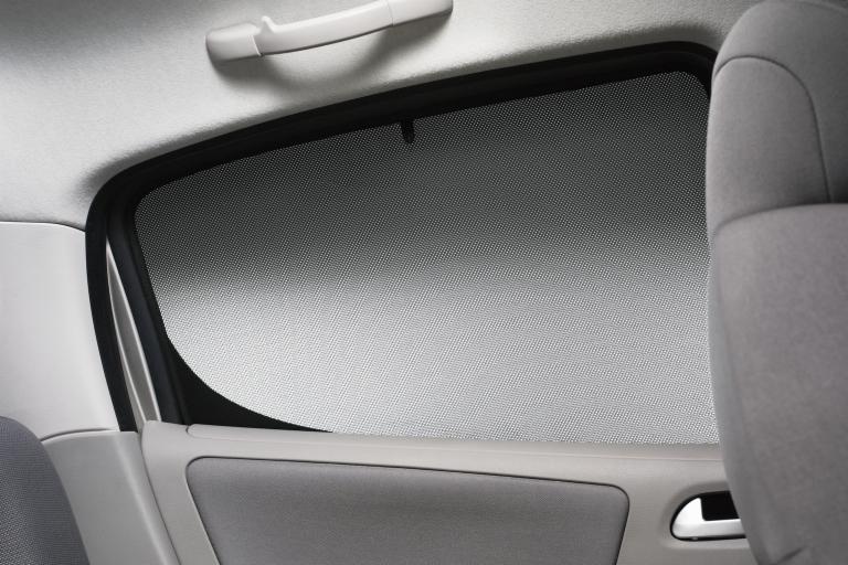 Peugeot 207 rear door side window sunblind 5 door hatch for Back door with side window