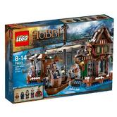 79013 LEGO Lake-Town Chase Hobbit Ages 8+ / 470 Pieces