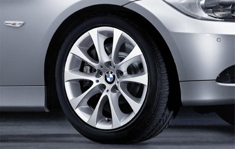 1x BMW Genuine Alloy Wheel 17
