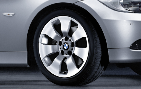 1x BMW Genuine Alloy Wheel 17