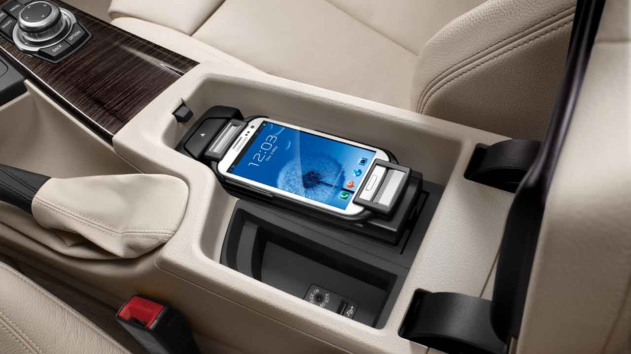 bmw genuine samsung galaxy s3 connect snap in adapter cradle dock 84212338573. Black Bedroom Furniture Sets. Home Design Ideas