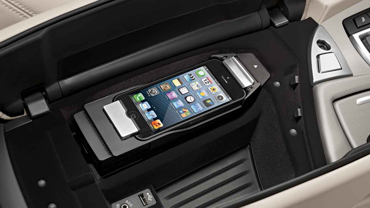 Bmw Genuine Apple Iphone 5 Connect Snap In Adapter Cradle