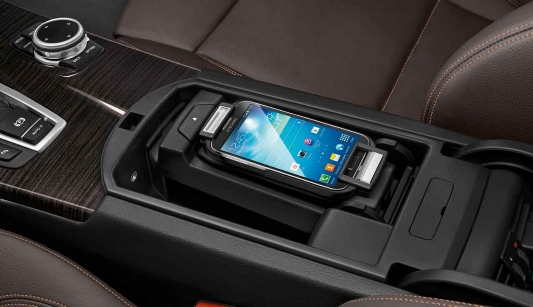 bmw genuine x5 samsung galaxy s4 connect snap in adapter. Black Bedroom Furniture Sets. Home Design Ideas
