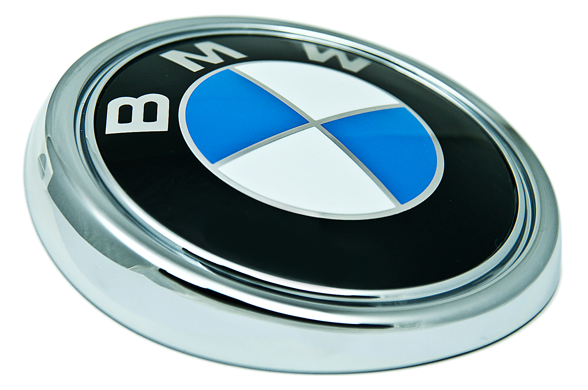 how to cut a bmw m trunk badge