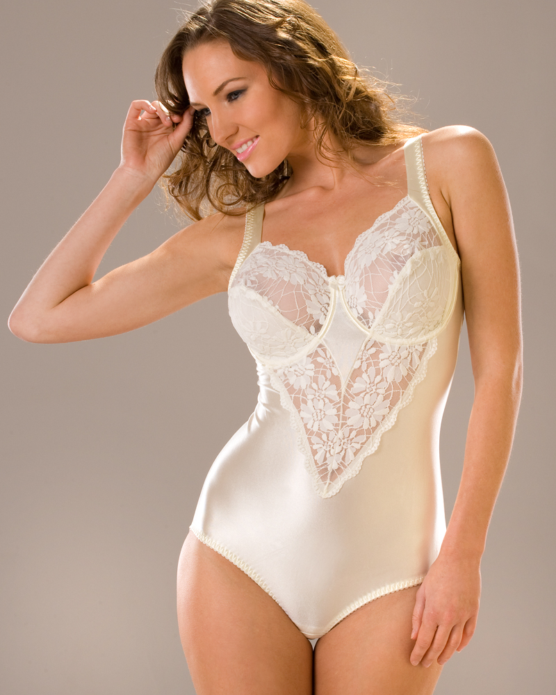 NEW LADIES CAMILLE LINGERIE UNDERWIRED LACE TRIMMED BRA WOMENS ...