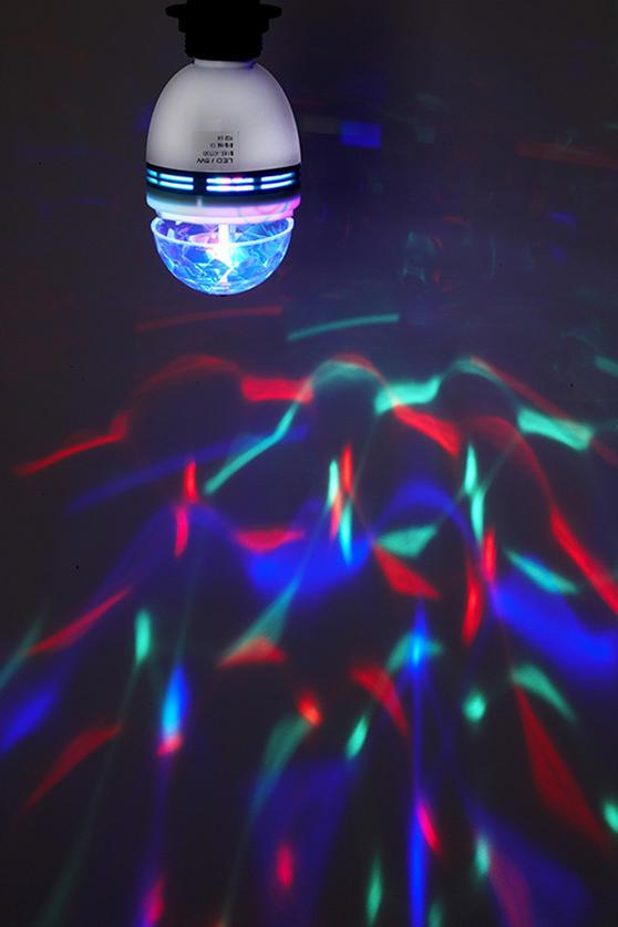 Intempo Multi Coloured Disco 360° Beam Angle Light Bulb EE1124
