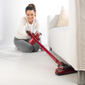 Beldray BEL0625 Quick Cordless Lite Vacuum Cleaner, 0.3 Litre, 22.2 V, Red Thumbnail 4